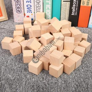 100 PCS / Set Wood Color Elementary School Mathematics Teaching Aid Cube Cube Mold Stereo Recognition Graphics Tool, Size: 2cm